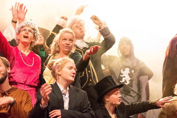 Öffentliches Casting für Musiktheater-Projekt